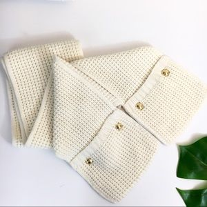 Michael kors cream scarf with pockets